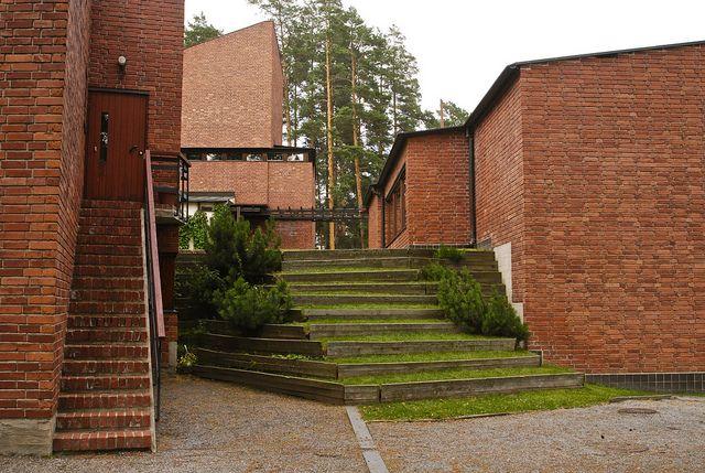 Best Alvar Aalto Saynatsalo Belediye Binası 1944 Finlandiya Dik 400 x 300