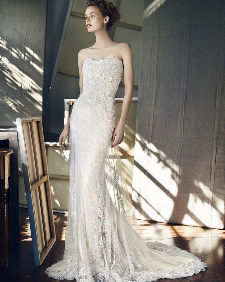 Lusan Mandongusdazzling strapless mermaid wedding dress