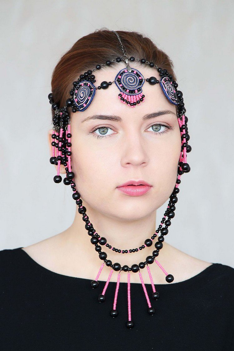 Jewelry Designer Rasa Vilcinskaite Creates These Beautiful Bold And Dramtic Beaded Headpieces is part of Beaded headpiece, Headpiece jewelry, Beaded accessories, Jewelry design, Beautiful jewelry, Headpiece art - Rasa Vilcinskaite is a jewelry designer and painter from Lithuania who loves to create big, bold and beautiful statement headpieces  Working with a beaded embroidery technique, she has had her pieces exhibited in Milan and uses leather, wood, natural stones and glass beads in her work  Take a look!