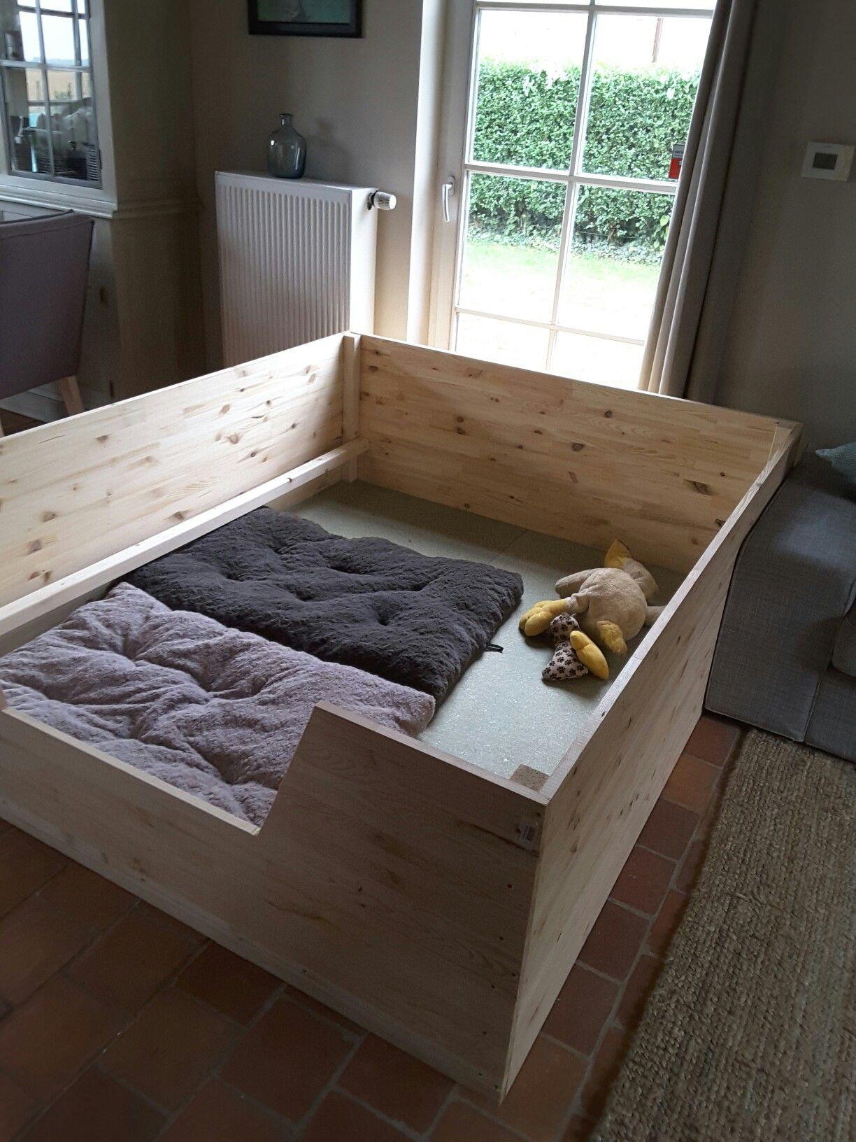Whelping box puppies Pinterest Whelping box, Dog and