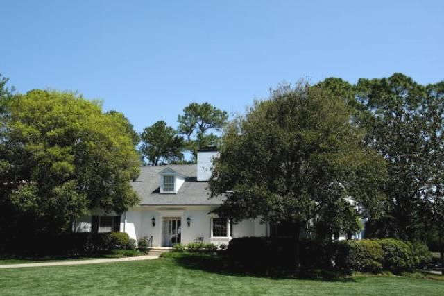 Tour The Famous Landmarks At Augusta National Golf Club Augusta National Golf Club Augusta National Cabin