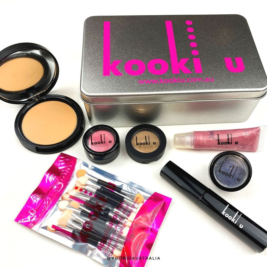 Did you know this is our Olivia Makeupkit. You can choose