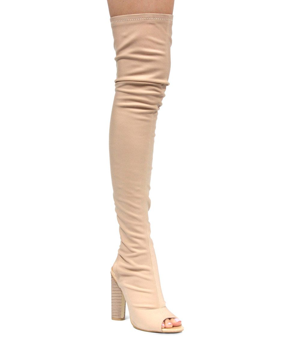 Boots nude collection