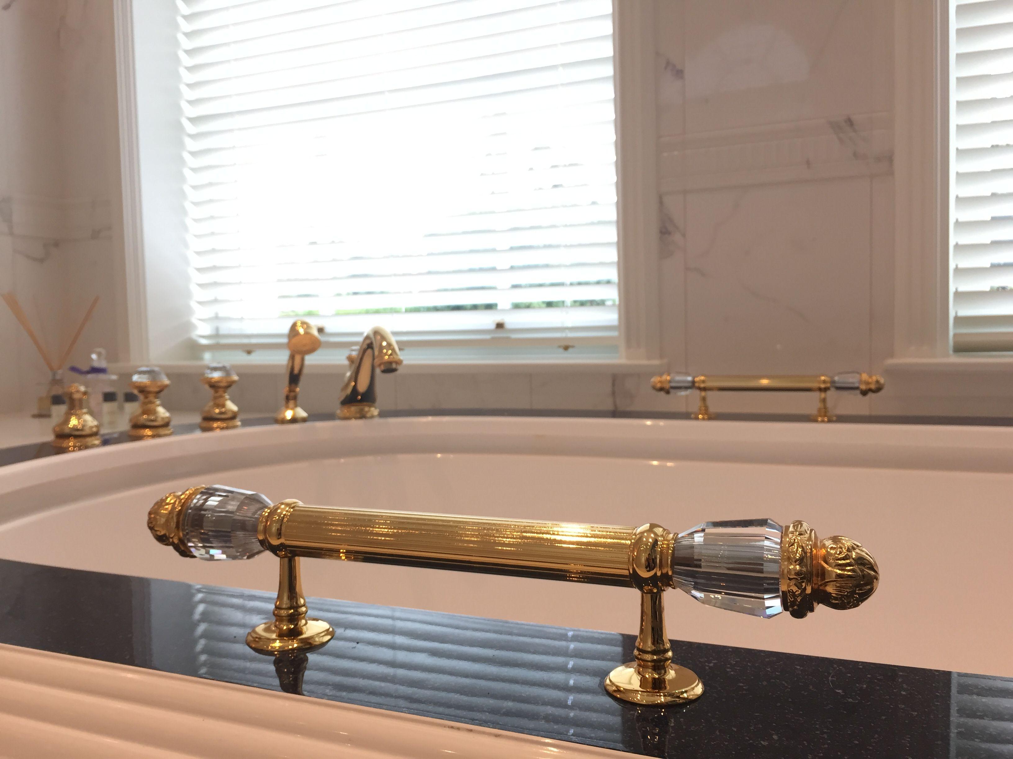 Swarovski Badezimmer ~ Classic bathroom with gold and swarovski crystal by bronces mestre