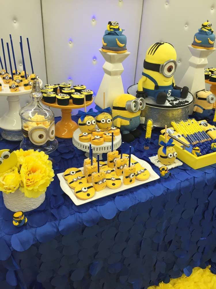 minions birthday party ideas despicable me minions party. Black Bedroom Furniture Sets. Home Design Ideas