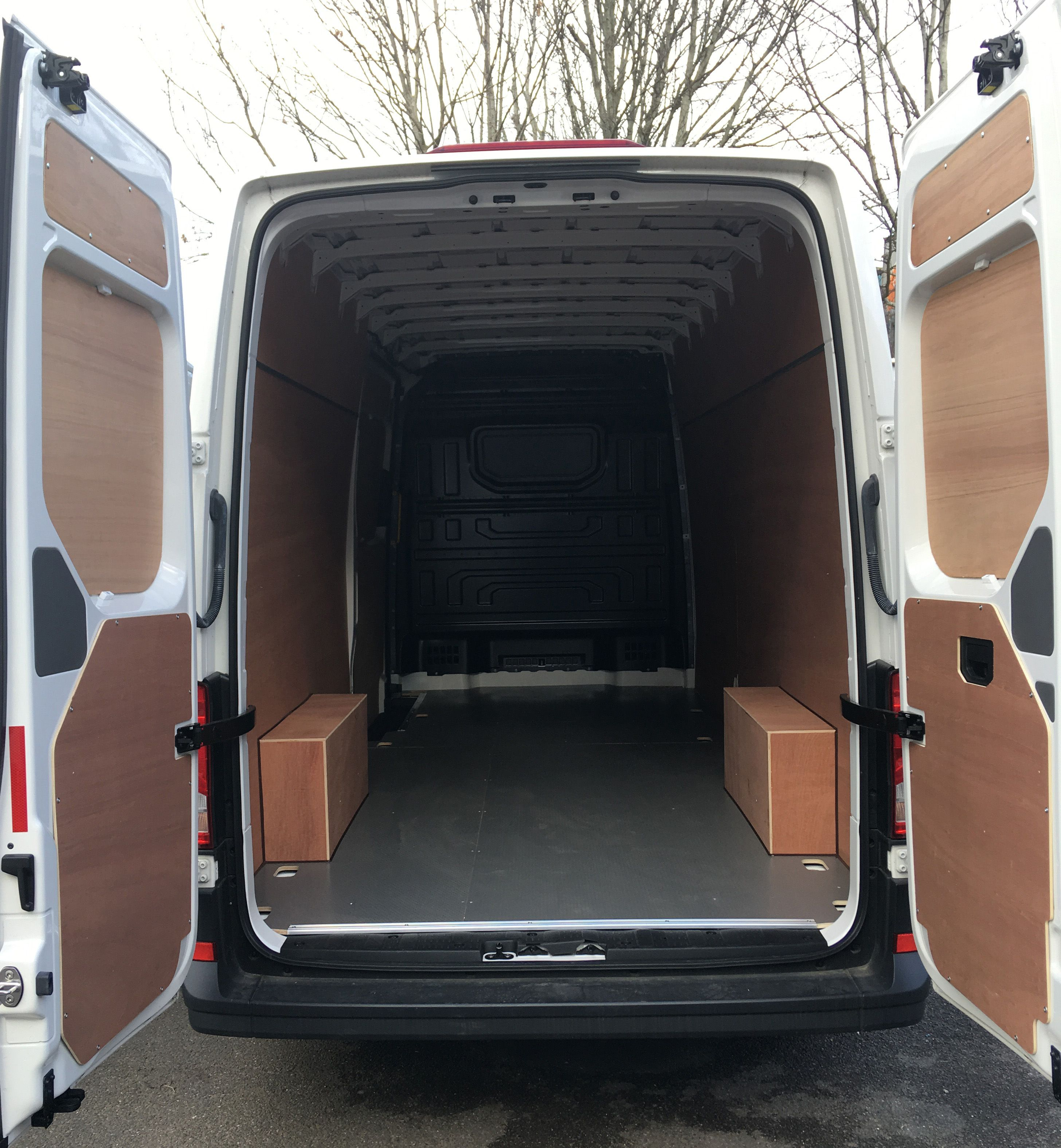 Vw Crafter Fitted With Ply Lining Kit And Meshdeck Flooring  # Muebles Sortimo