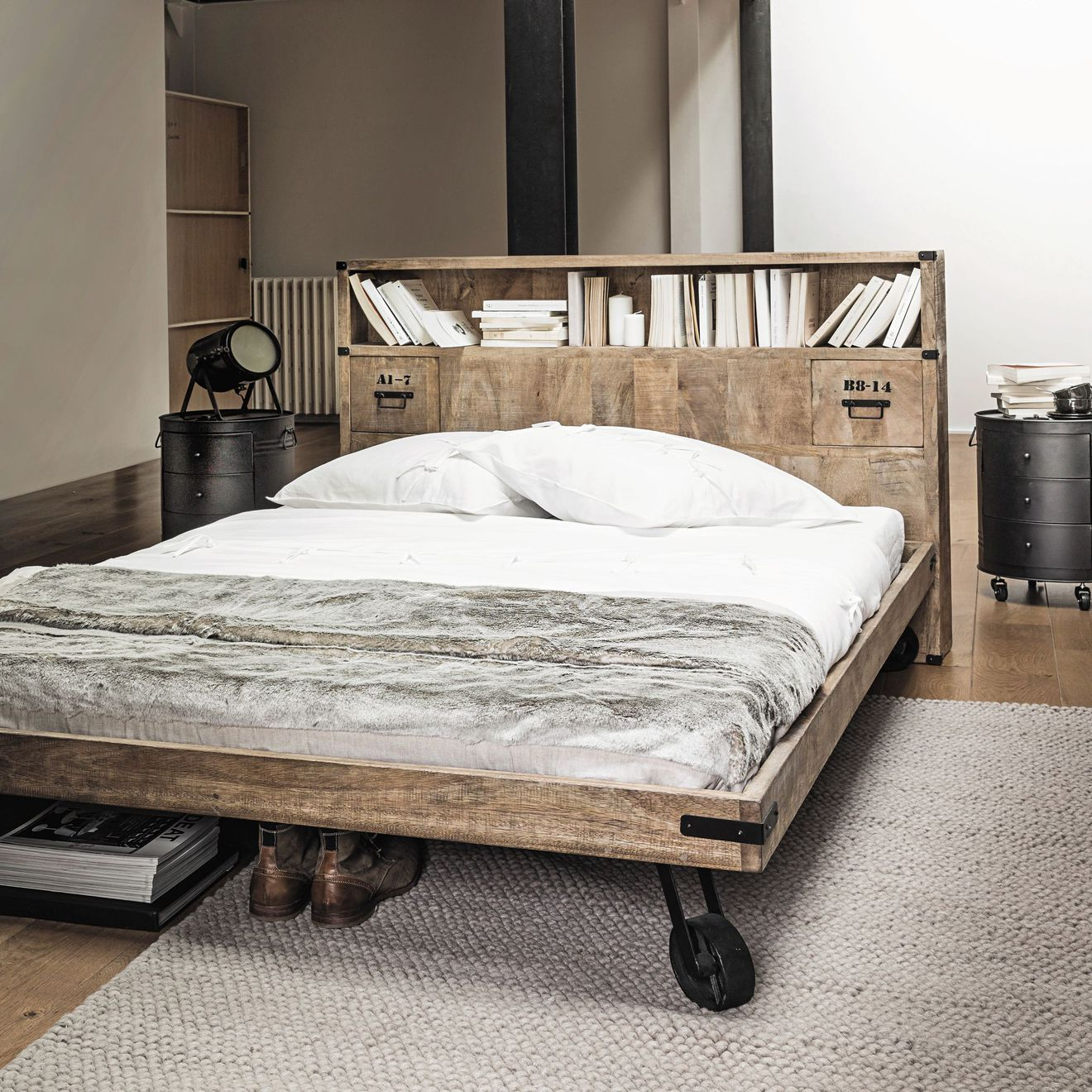 30 têtes de lit pour votre chambre   Tête de lit avec rangement, Lit rangement, Mobilier de salon