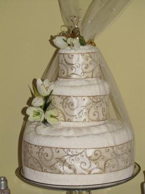 luxury wedding towel cake