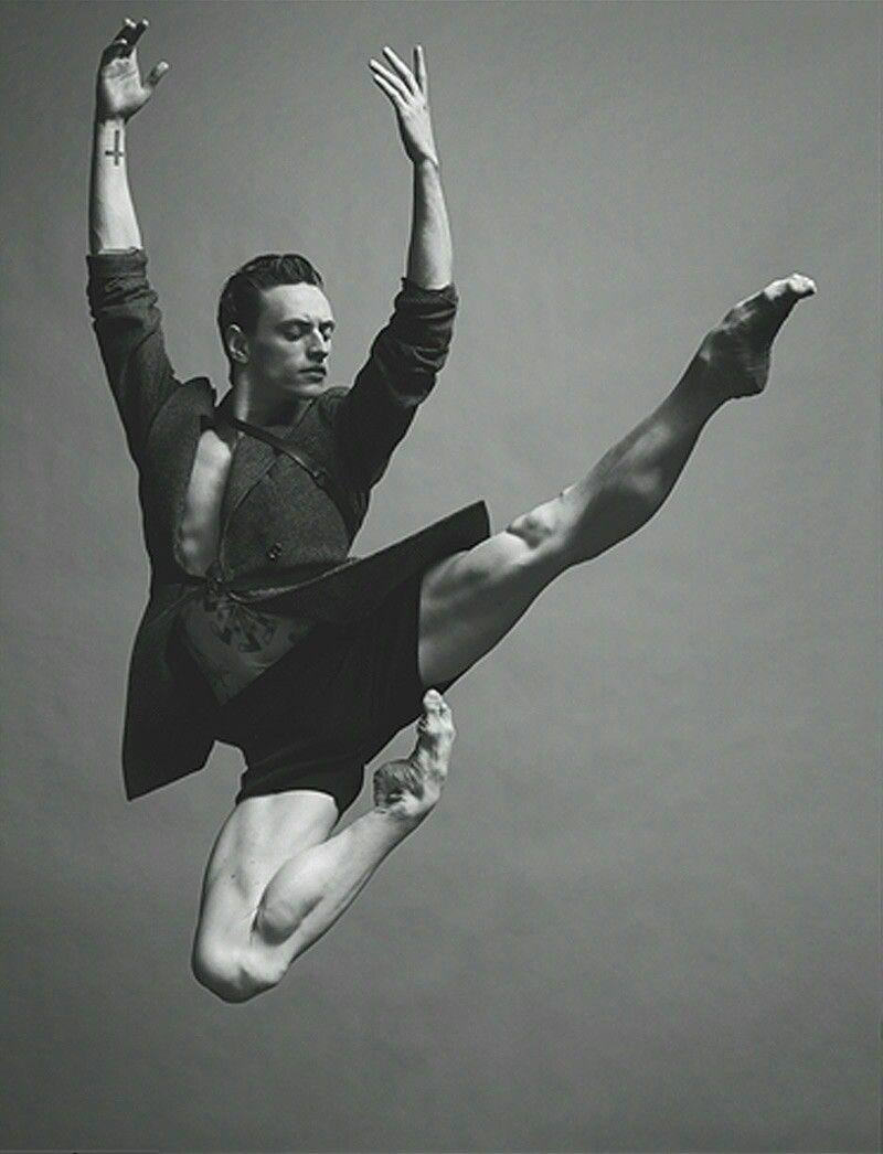 Балерины у станка в эротических позах фото — pic 12