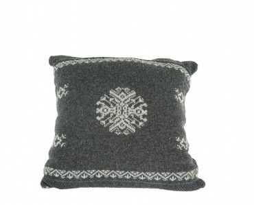 A great little pillow to give that geniune winter look to your house.