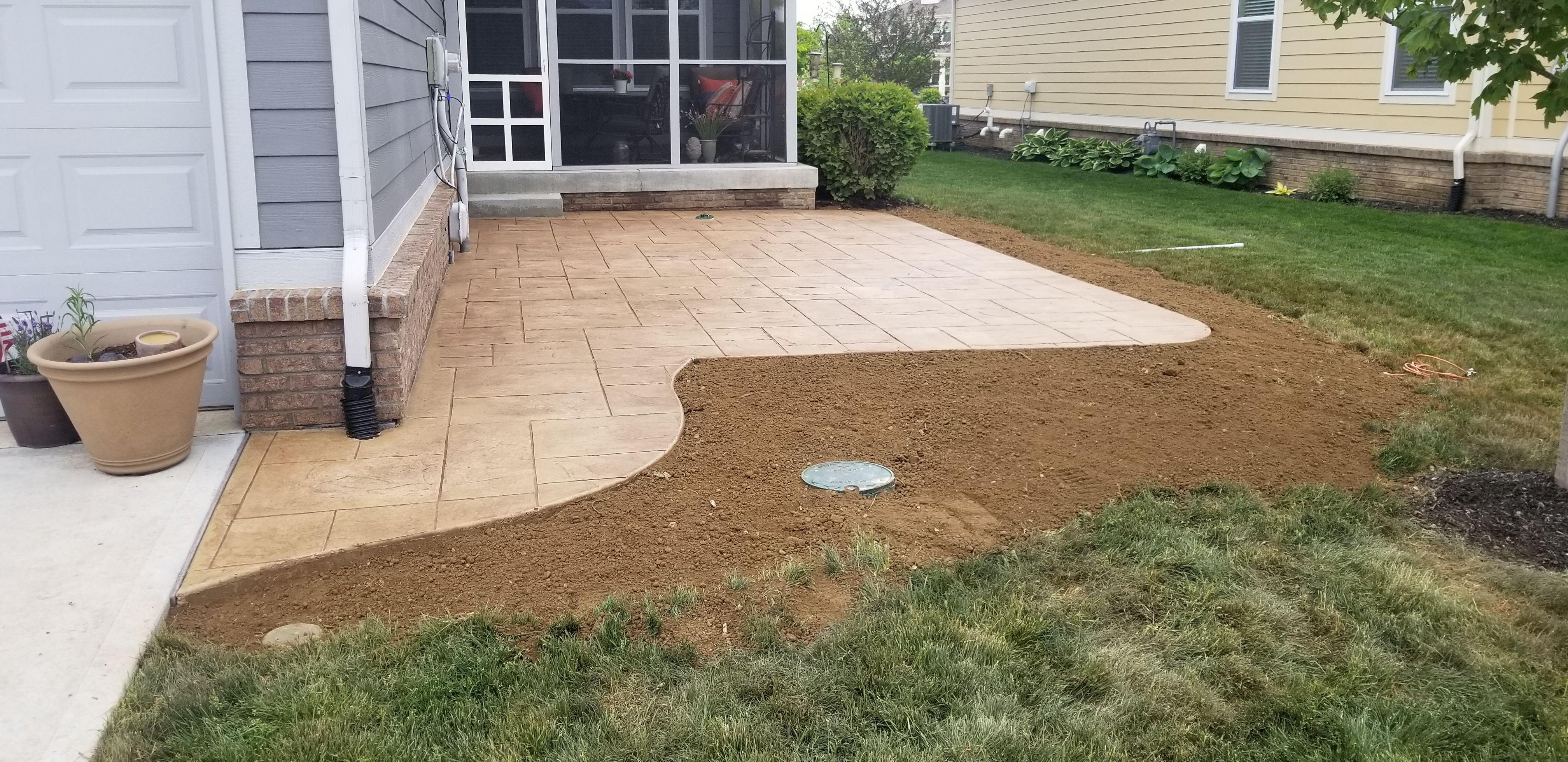Majestic Ashlar  Harvest Wheat And Walnut Concrete Patio By