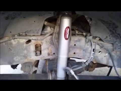 1999 2004 F250 F350 4wd Front Shock Replacement Youtube