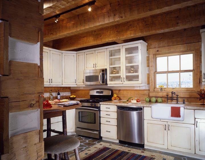 Hearthstone Homes Jennings Residence Log Home Kitchens Log Cabin Kitchens Log Cabin Kitchen Ideas