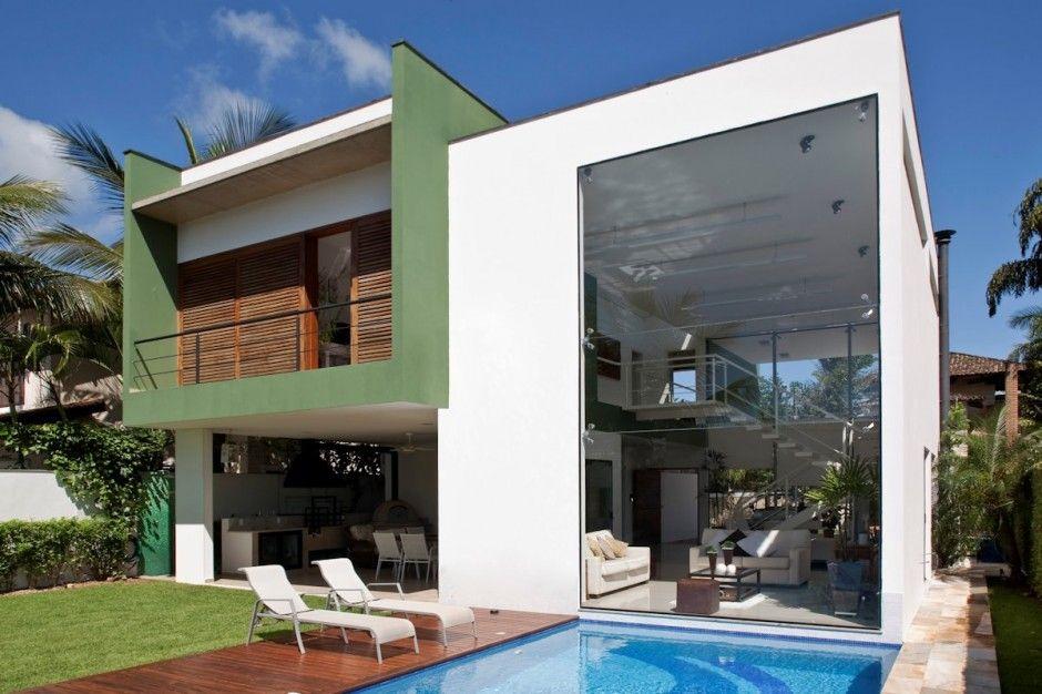 Fachada em vidro estrutural spider glass casa no guaruja for Casas estrechas y alargadas