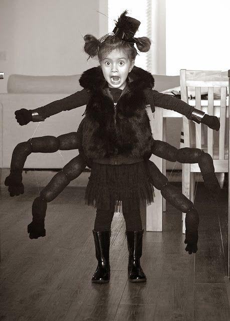 Stella's Spider Costume & Bag -- Charlotte's Web anyone? #BookCostumes