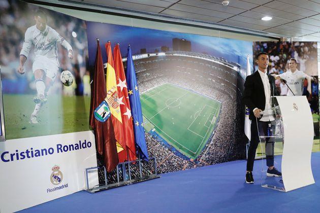 Cristiano Ronaldo renueva contrato con el Real Madrid