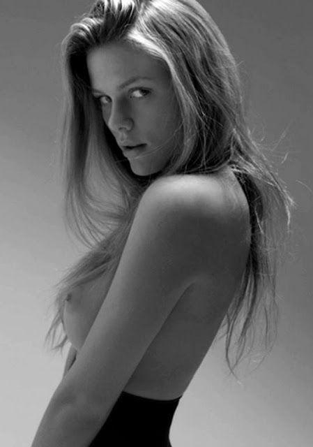Black Secret Naked Pic