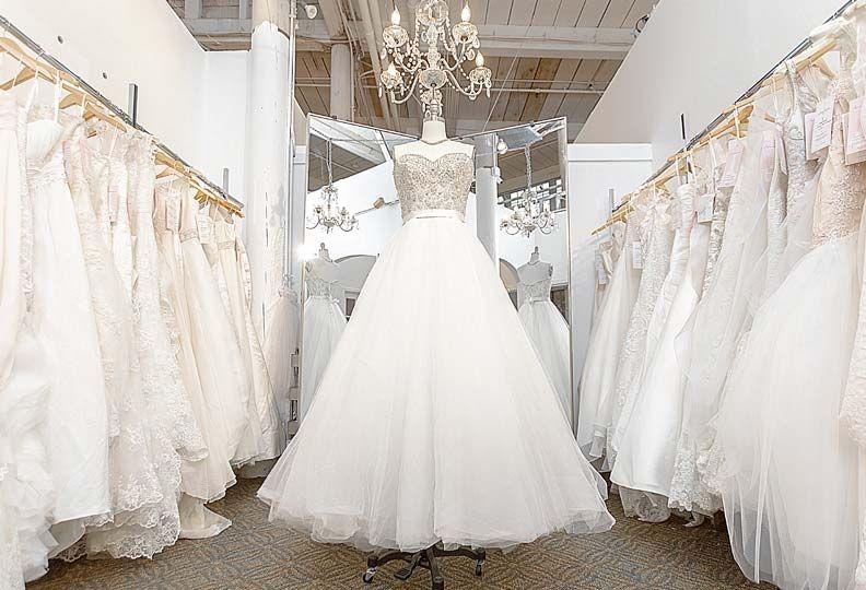 Elegant Resale Wedding Dresses Gallery In 2020 Wedding Dress Gallery Wedding Dresses Wedding Dress Resale