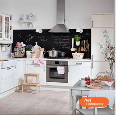 einrichtungsideen f r die k che k chenplanung und dekoideen pinnwand und tafellack f r die. Black Bedroom Furniture Sets. Home Design Ideas