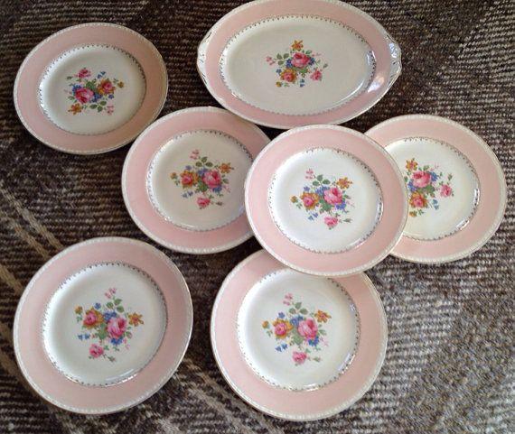 HomerLaughin eggshell Georgin Dinner Plates
