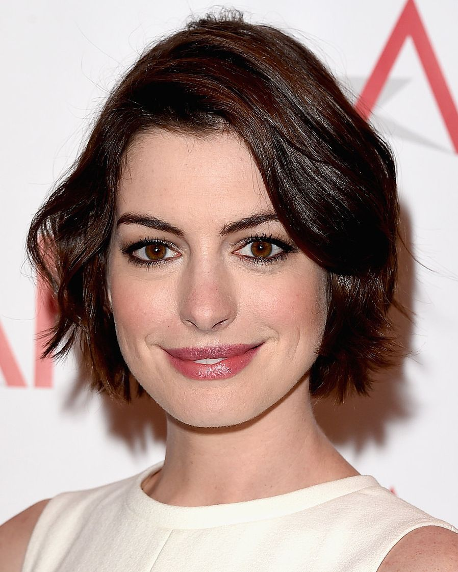 Anne hathaway short bob haircut popsugarcelebrity