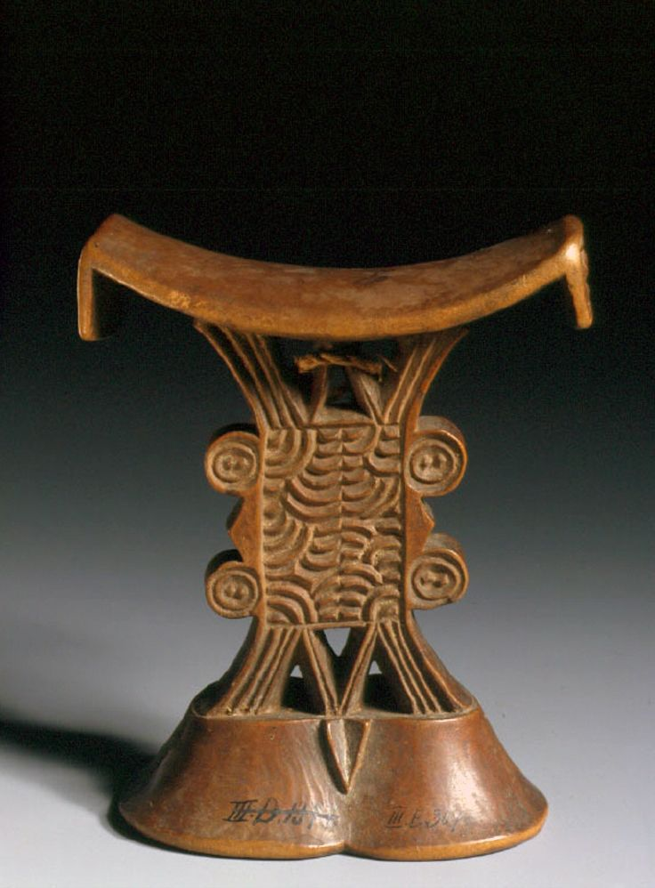Africa | Headrest from Mozambique | Wood and fiber | ca. 19th century