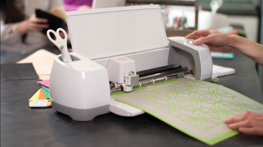 Personal Electronic Cutting Machine Diy Craft Cutter Has A Great