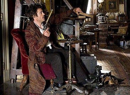 Robert Downey Jr.: Sherlock Holmes invents the silencer ...