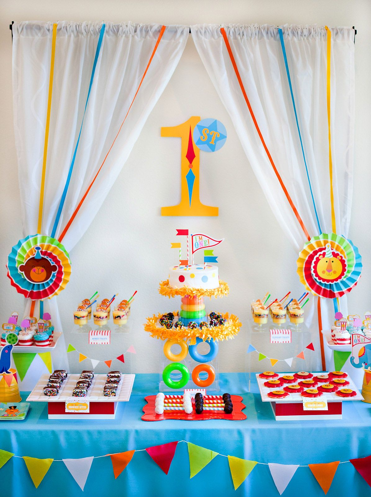 Mesa Musical Fisher Price Hostess With The Mostess First Birthday Party Ideas And Diy