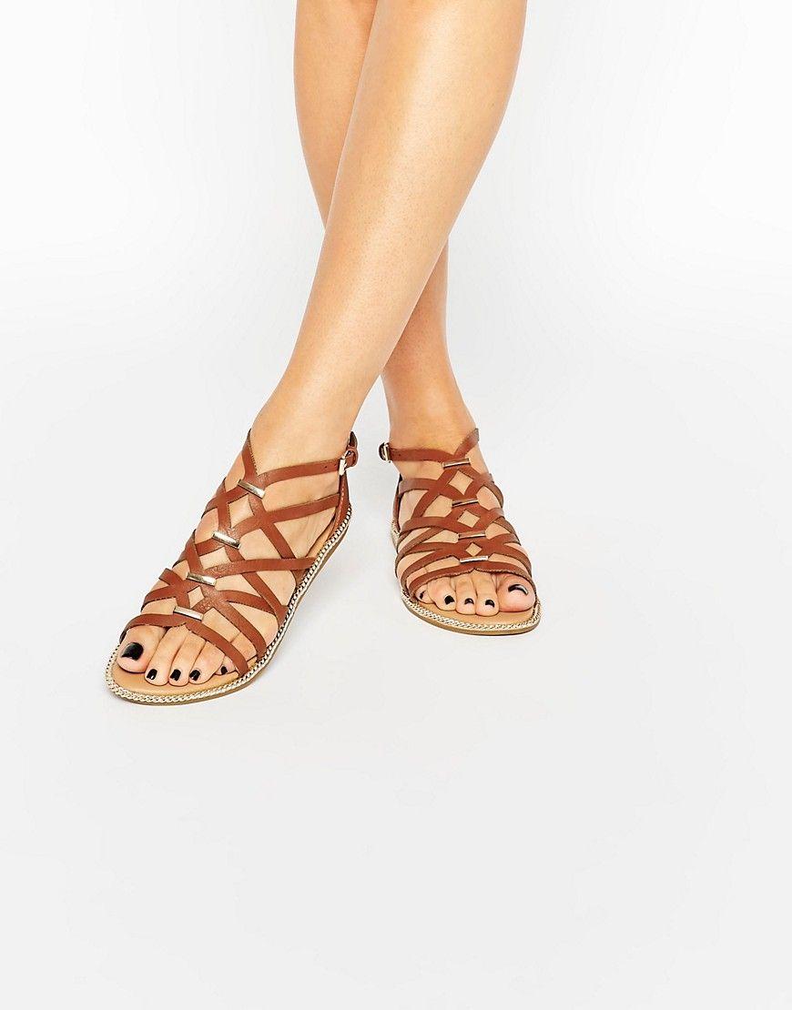 052b99f32519 37 New Look - Sandales effet cage avec brides métallisées