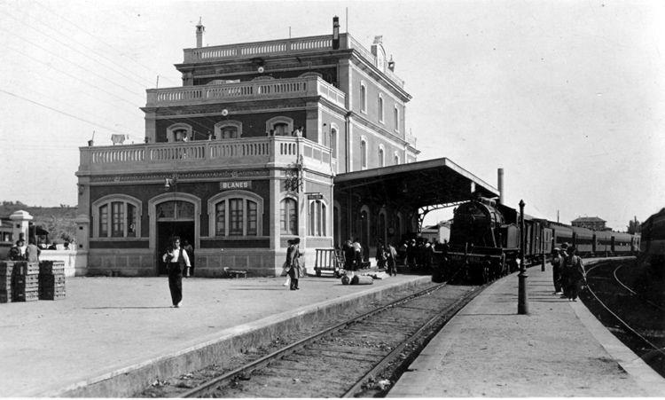 Estacio De Ferrocarril De Blanes Estacion De Tren