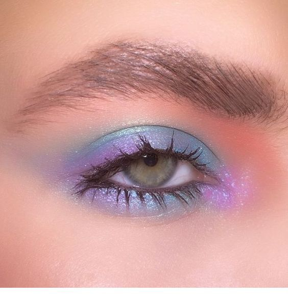 Light blue and mauve – eye makeup – Miladies.net