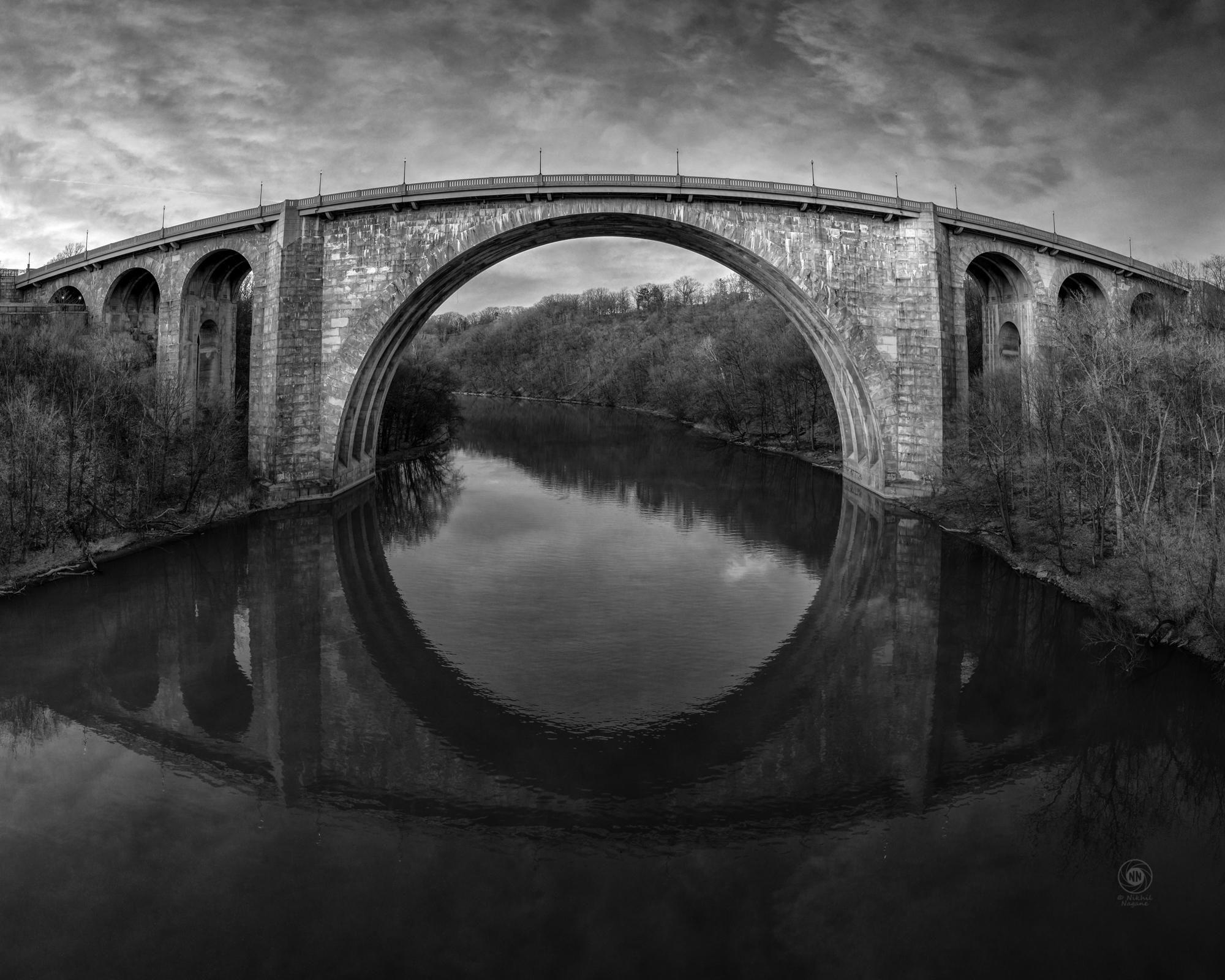 Veterans memorial bridge on the Genesee river [2000X1600