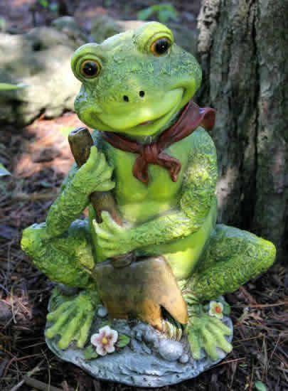 Gardening Frog Statue
