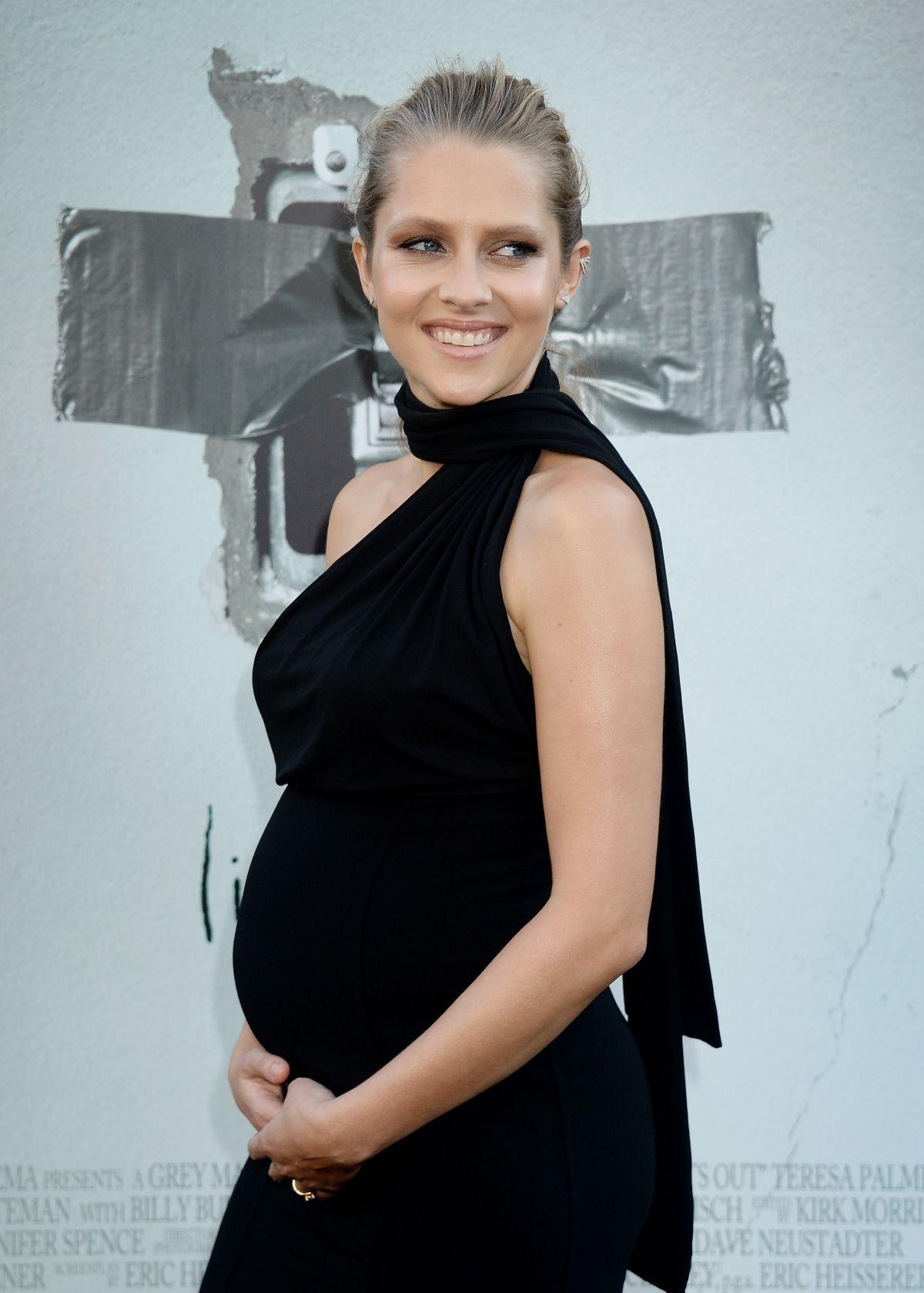 ba9733b51f305 Pregnant Teresa Palmer (1200×1678) | PARENTHOOD in 2019 | Teresa ...