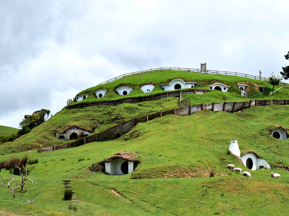 A Real-Life Hobbit Town in Matamata,New Zealand