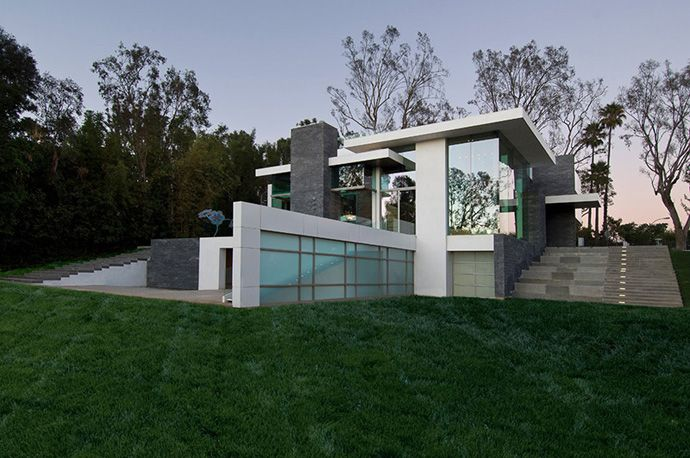 Summit House- A Green Modern Residence in Beverly Hills by Whipple ...