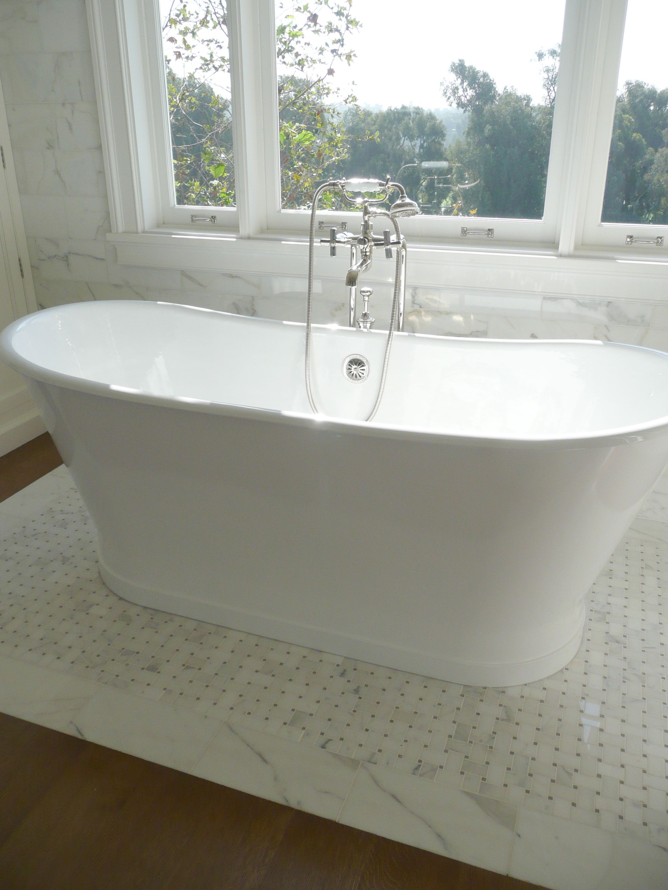 Freestanding Tub In Front Of Window Traditional Bathroom Free