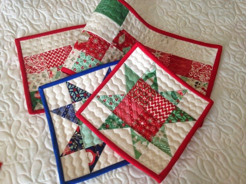 Small Quilts And Quilted Projects Parade A Quilting Life Christmas Quilting Projects Christmas Quilts Quilting Projects