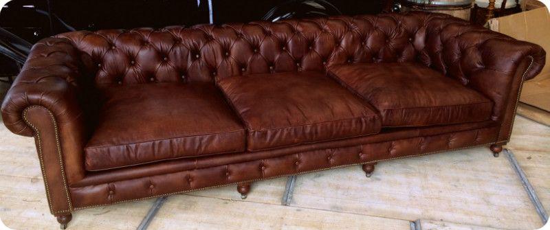 Interior design | decoration | home decor | furniture | Sofa Chesterfieldmodel whiskey bruin