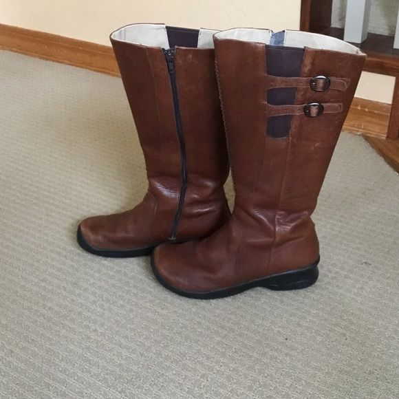 8db24d02b35 Worn only a few times. Almost no wear on soles. Some minor wear on leather  (visible in photos). Waterproof. Keen Shoes Winter   Rain Boots. Keen Bern  Baby ...