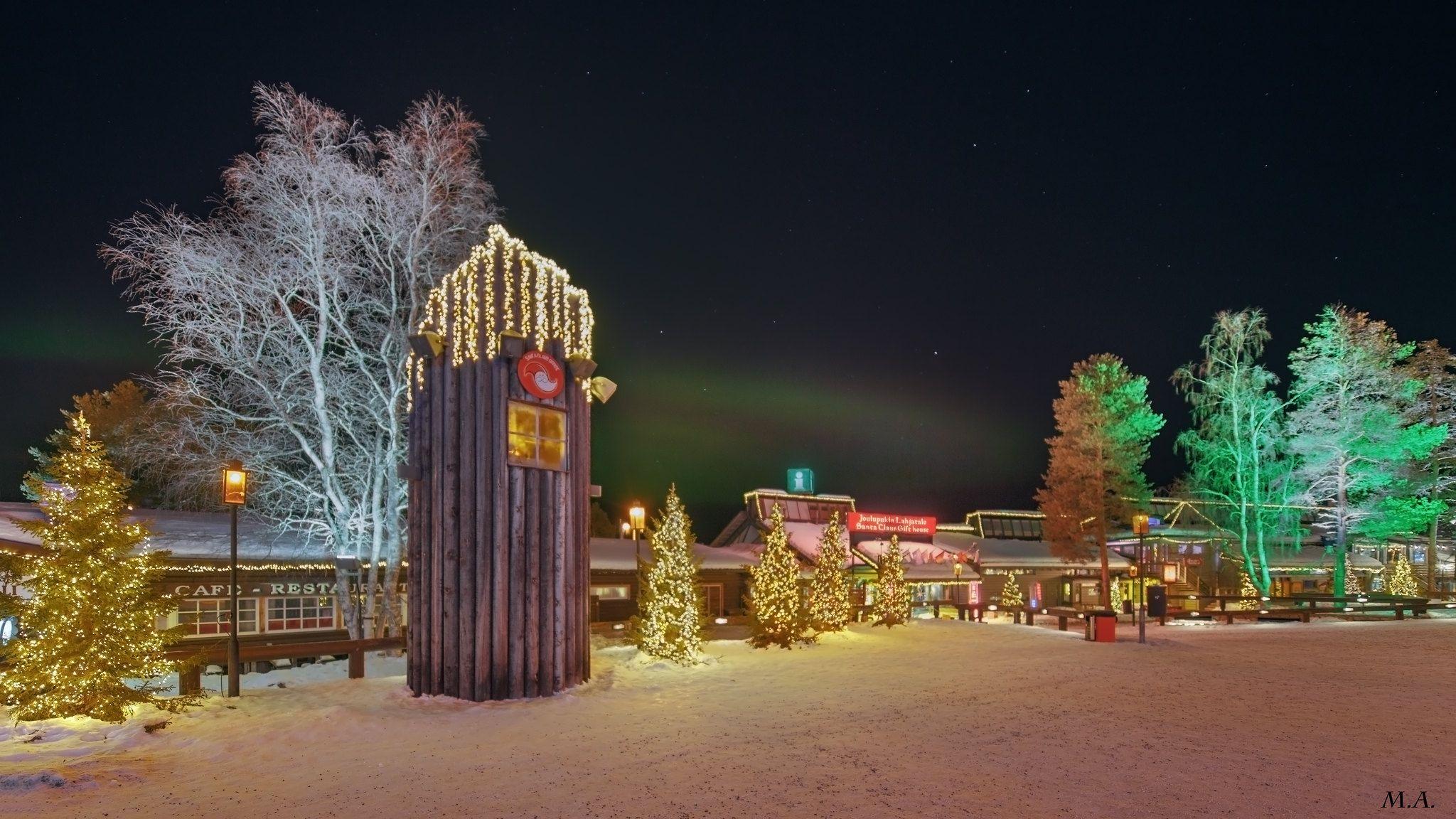 Aurora boreale al villaggio di Babbo Natale