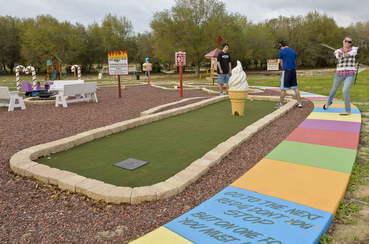 Mini Golf at The Sweet Escape vacation home rental near