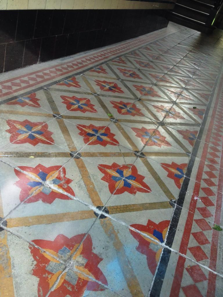 Tenement tiles on vintage interior design floor patterns and tenement tile wallyclose vintage interior dailygadgetfo Image collections