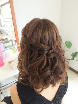 結婚式 髪型 ミディアム ヘアアレンジ ウォーターフォール