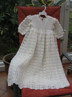 StrickRatte: Taufkleid | Taufkleider | Pinterest | Crochet baby ...