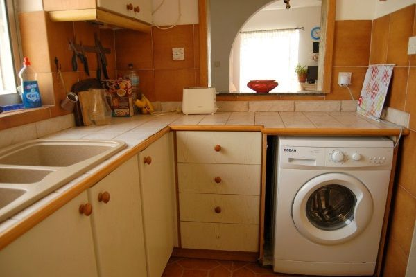 Installing The Washing Machine In A Small Kitchen   Kitchen Designs   HomeID