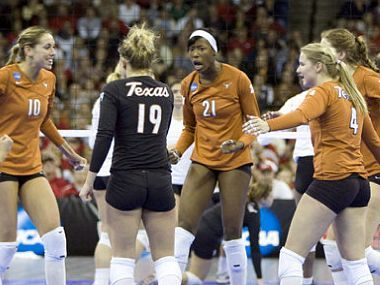 University Of Texas Volleyball Texas Volleyball Fell To Stanford In A Five Set Showdown Volleyball Team Volleyball University Of Texas