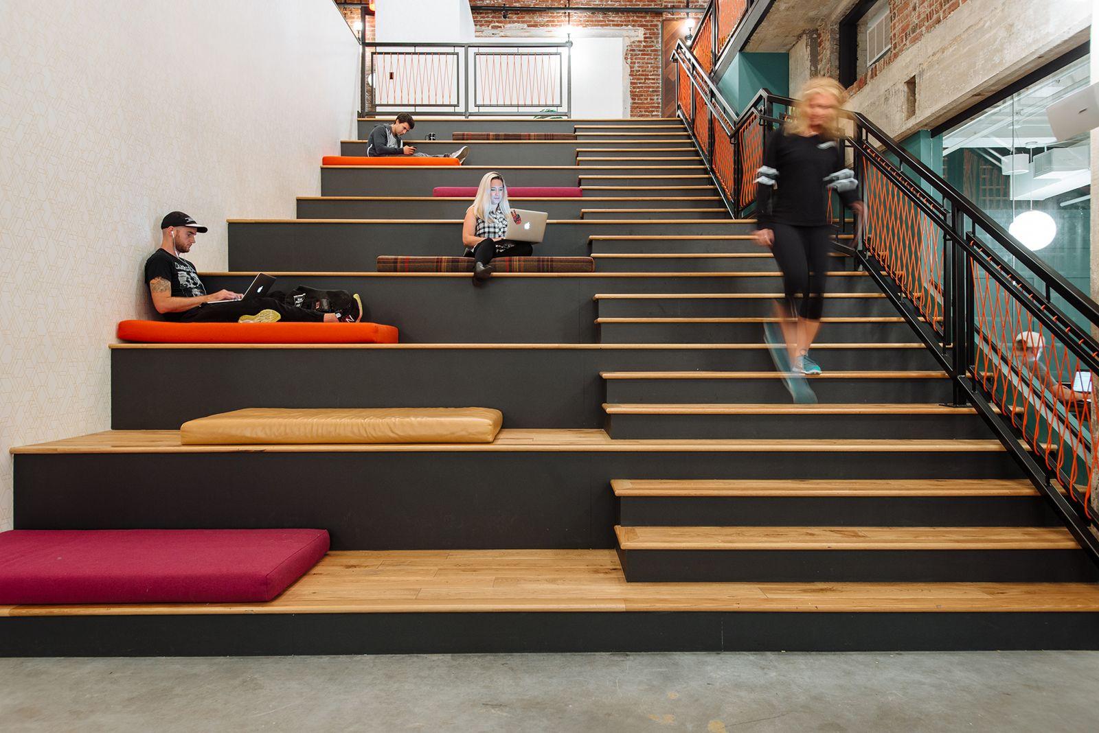 Kantoor En Meer : A tour of wework s new coworking space in philadelphia kantoren
