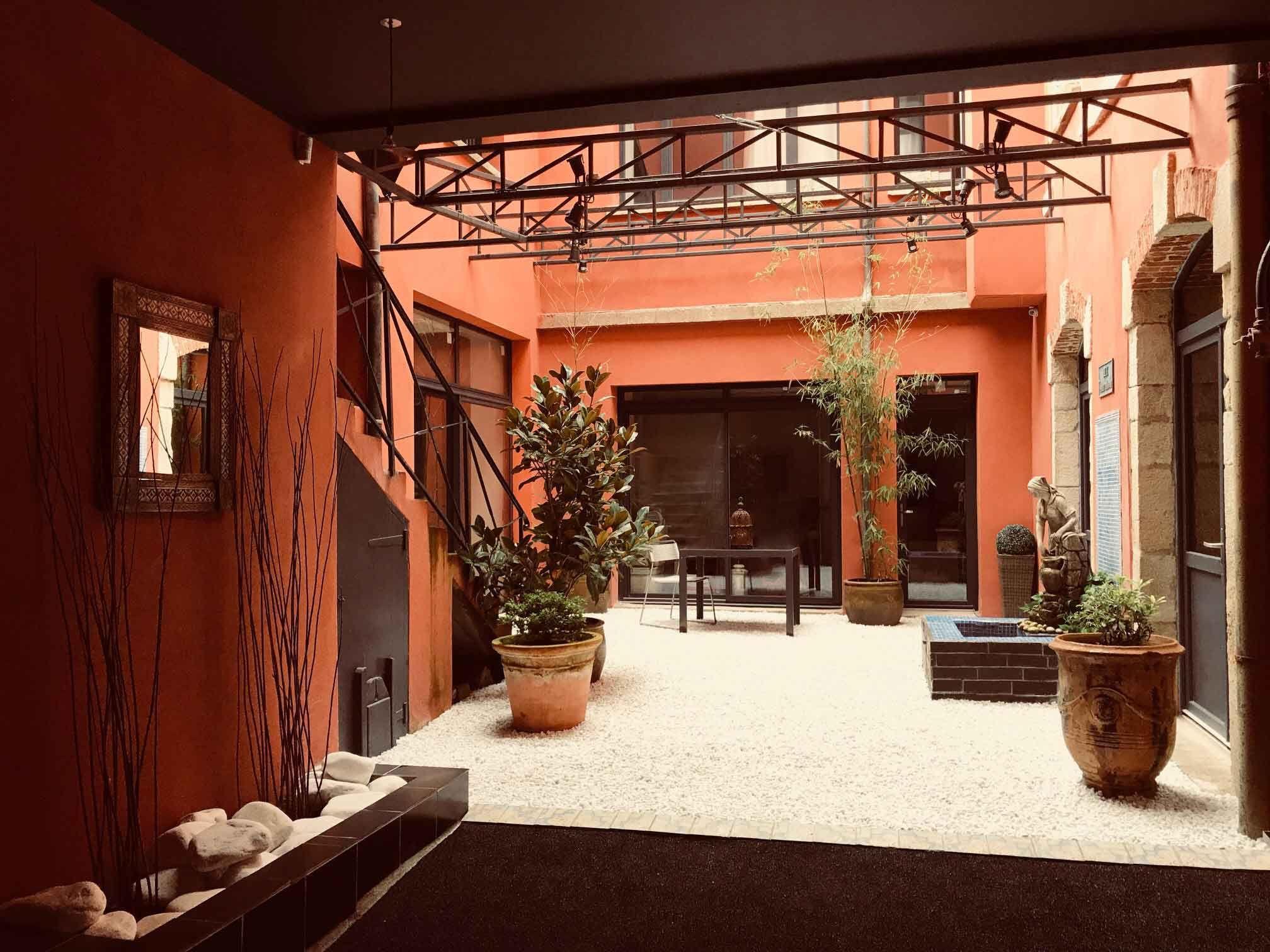 La chambre d 39 hote theodore room au puy en velay avec - Maison d hote en alsace avec piscine ...